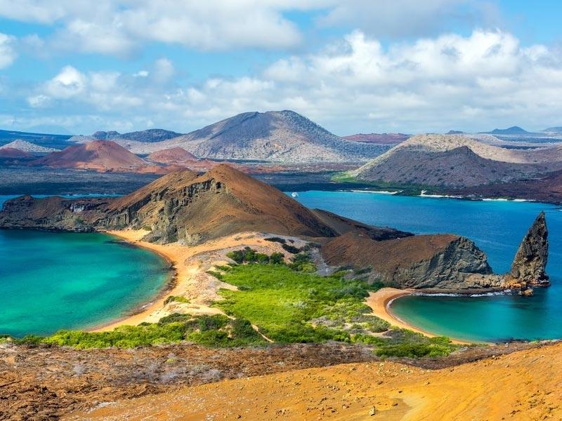 BARTOLOME ISLAND-PINNACLE ROCK GALAPAGOS