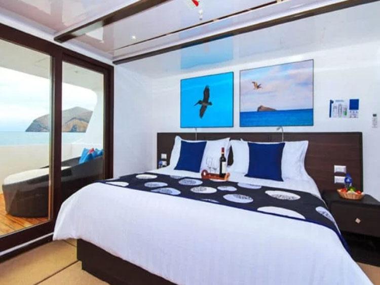 NATURAL PARADISE Upper Deck Deck Balcony Suite